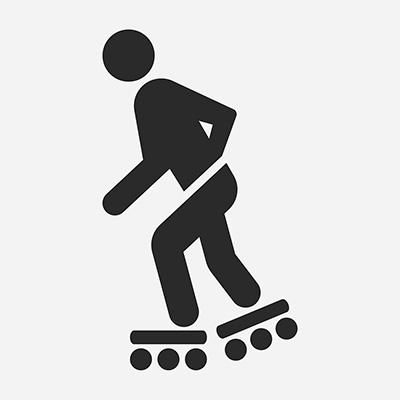 Osoby pohybujúce sa na korčuliach, skejtborde, kolobežke alebo na obdobnom športovom vybavení